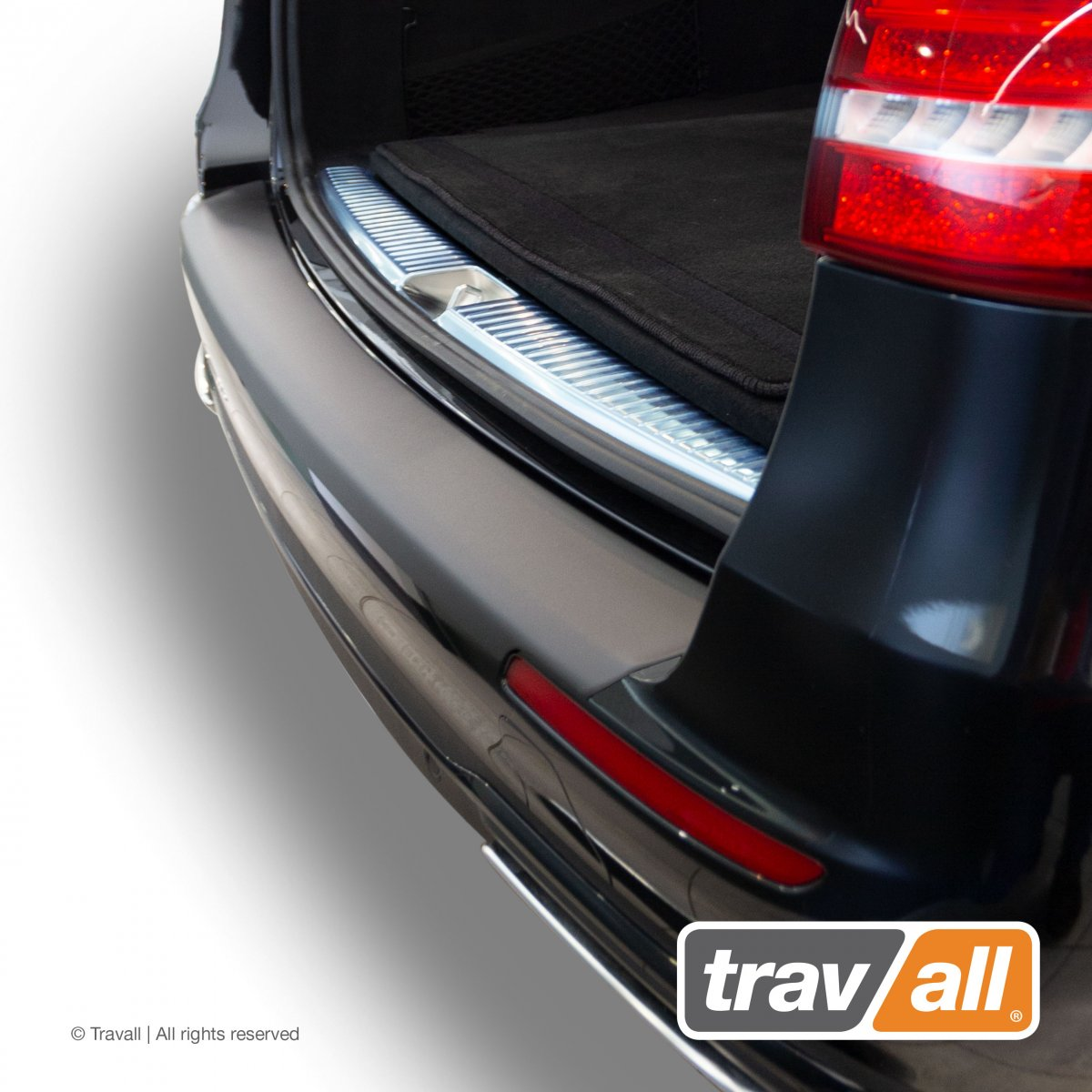 Travall® PROTECTOR-Kunststof Glad voor Mercedes Benz E-Klasse Estate (2016 - 2020)