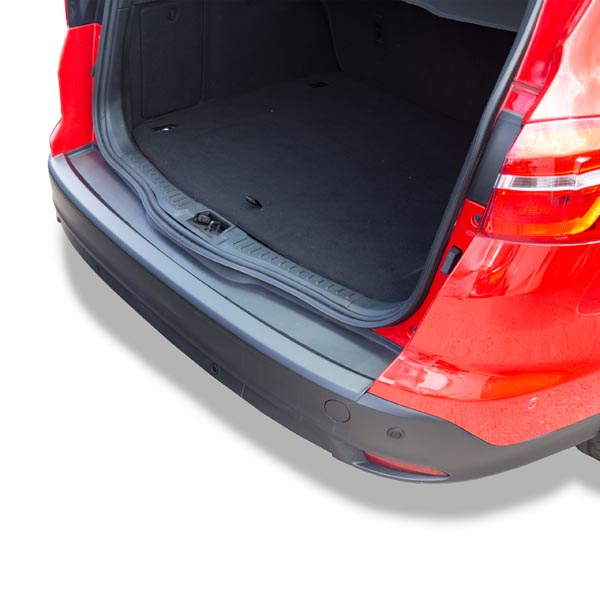 Travall® Protector-Kunststof Glad voor Ford Focus Wagon (2010 >) /ST (2012 >)